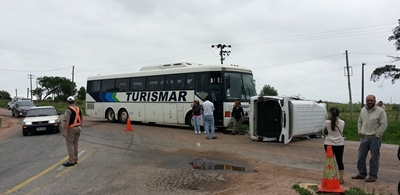 Choque entre un ómnibus y una camioneta